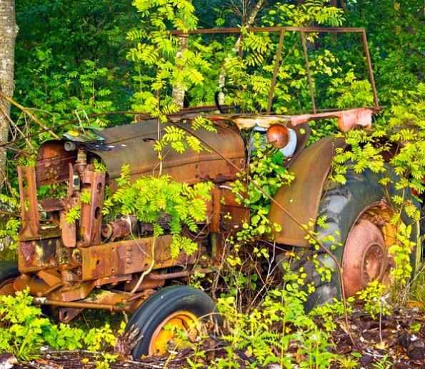 RustyTractor4_9593