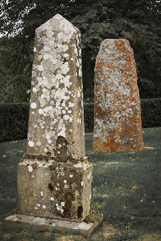 2gravestones-0138
