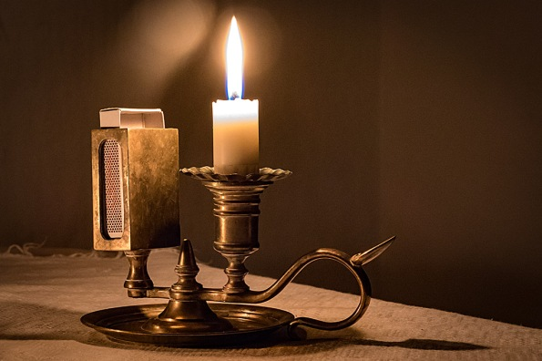 CandleHolder1040986